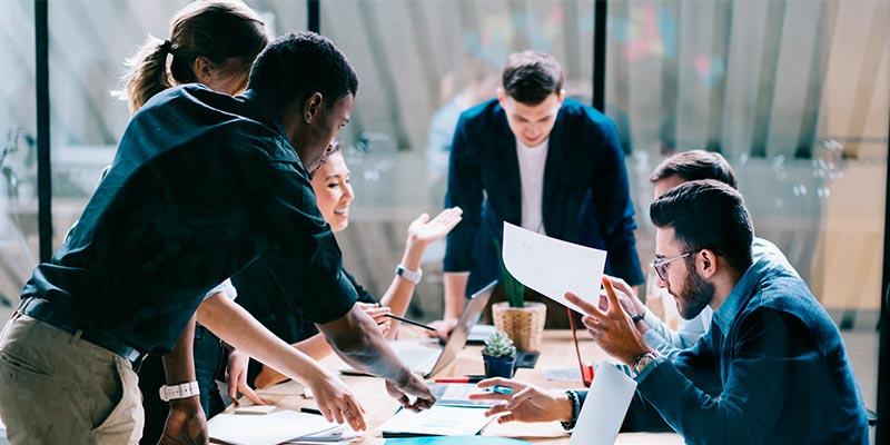 Saiba mais sobre eventos corporativos como o Brainstorming