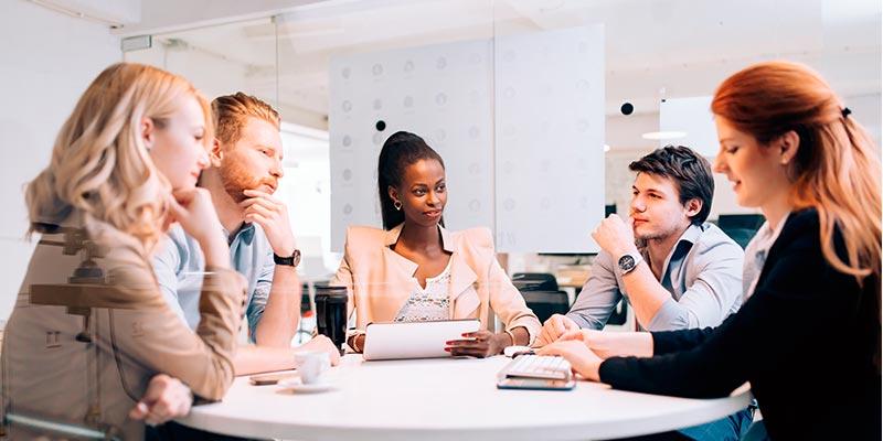 Saiba mais sobre eventos corporativos como a Mesa-redonda